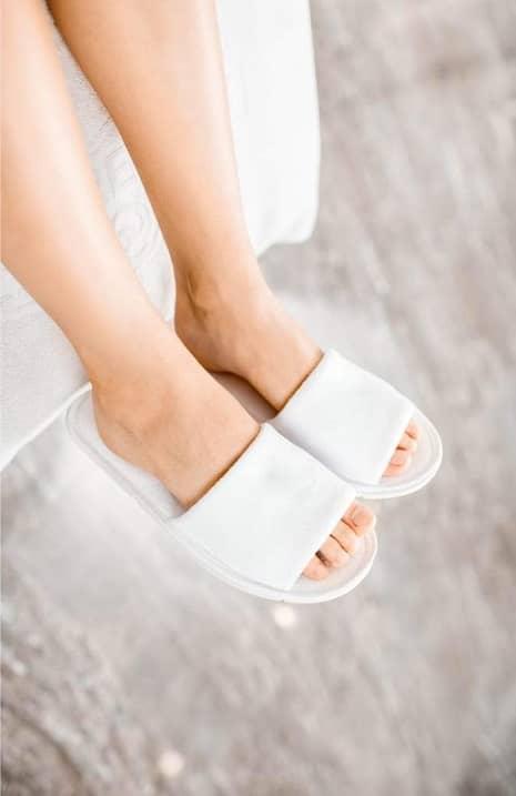 Best Slippers for Sweaty Feet in 2021